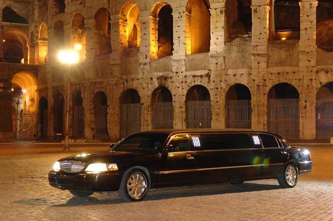 limousine nera a roma